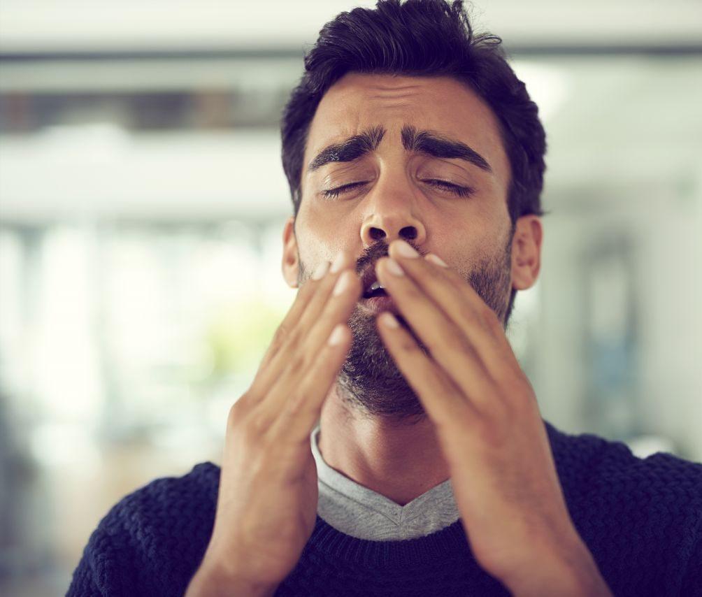 Niesen Nase zu halten