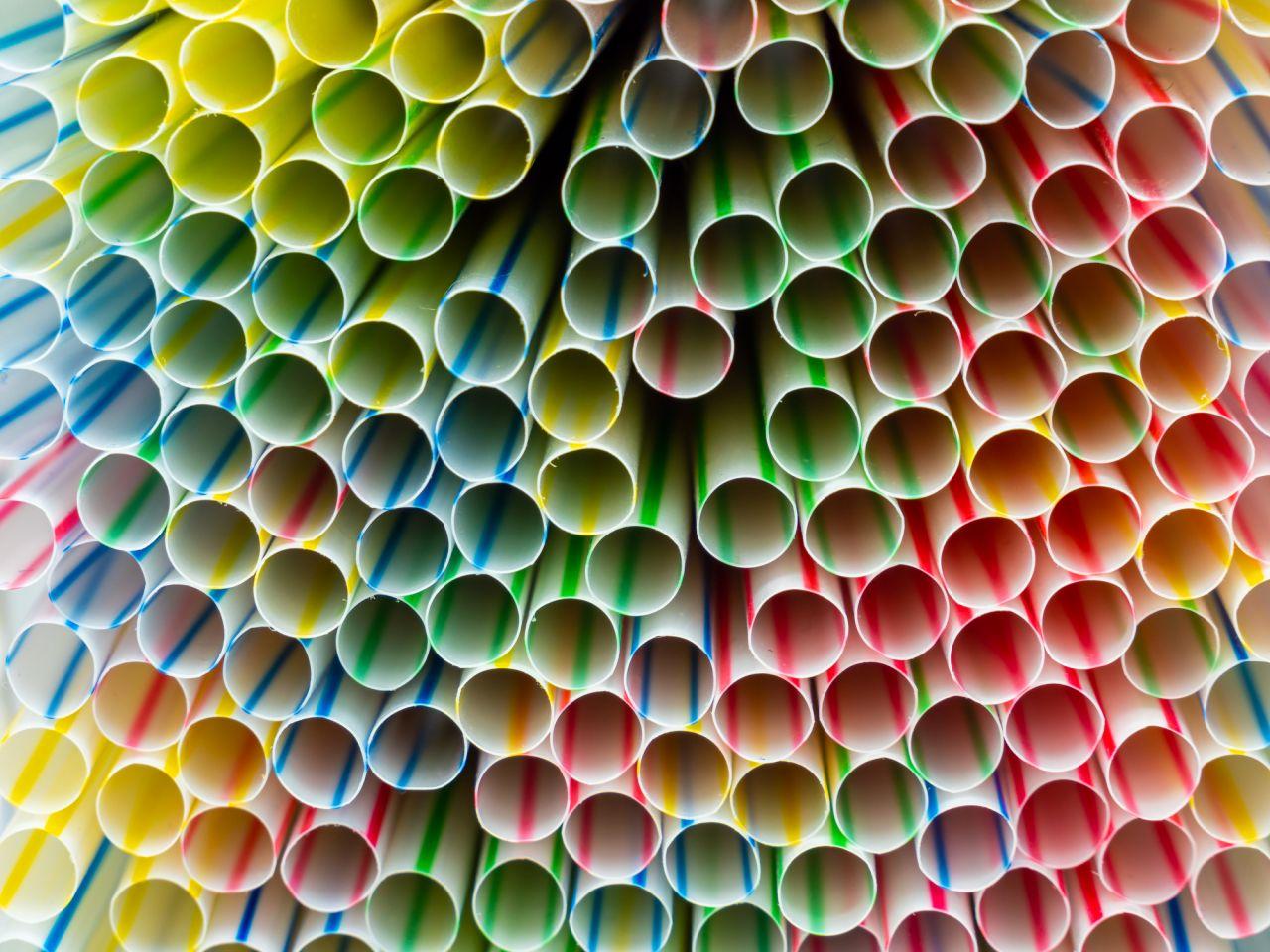 Grüner schlürfen: Wie du Plastikstrohhalme easy ersetzen kannst