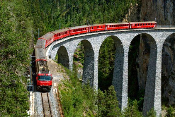 Der Glacies-Express ist der langsamste Zug der Welt