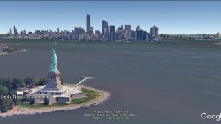 Die Freiheitsstatue vor der Skyline von Manhattan, 3D-Simulation.