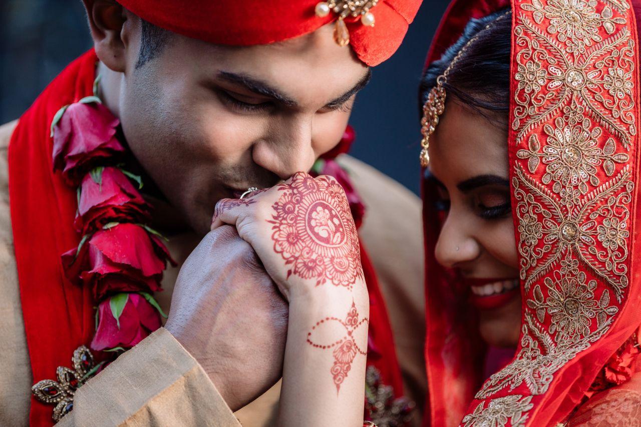 Ja, ich will (es wissen): In Indien ermittelt ein Hochzeitsdetektiv das Eheglück