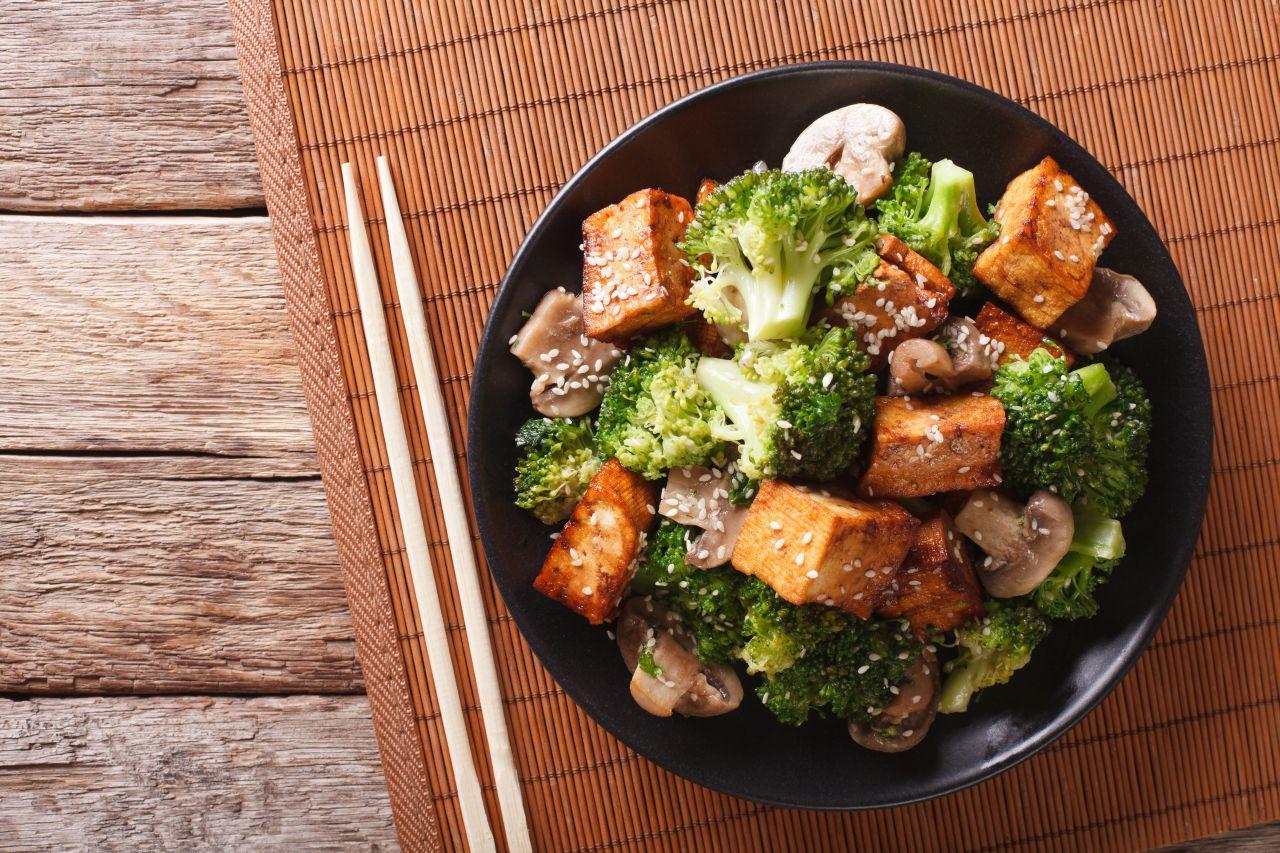 Brokkoli und Tofu