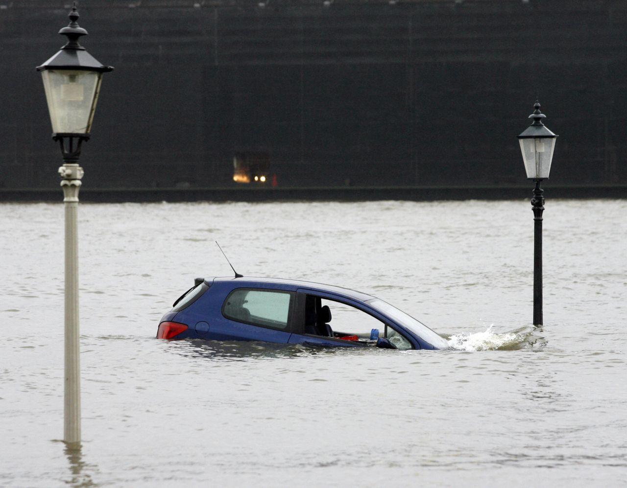 Das Sturmtief Tilo brachte Hamburg 2007 eine Sturmflut mit einem Wasserstand knapp 5,5 Metern über dem normalen Pegel.