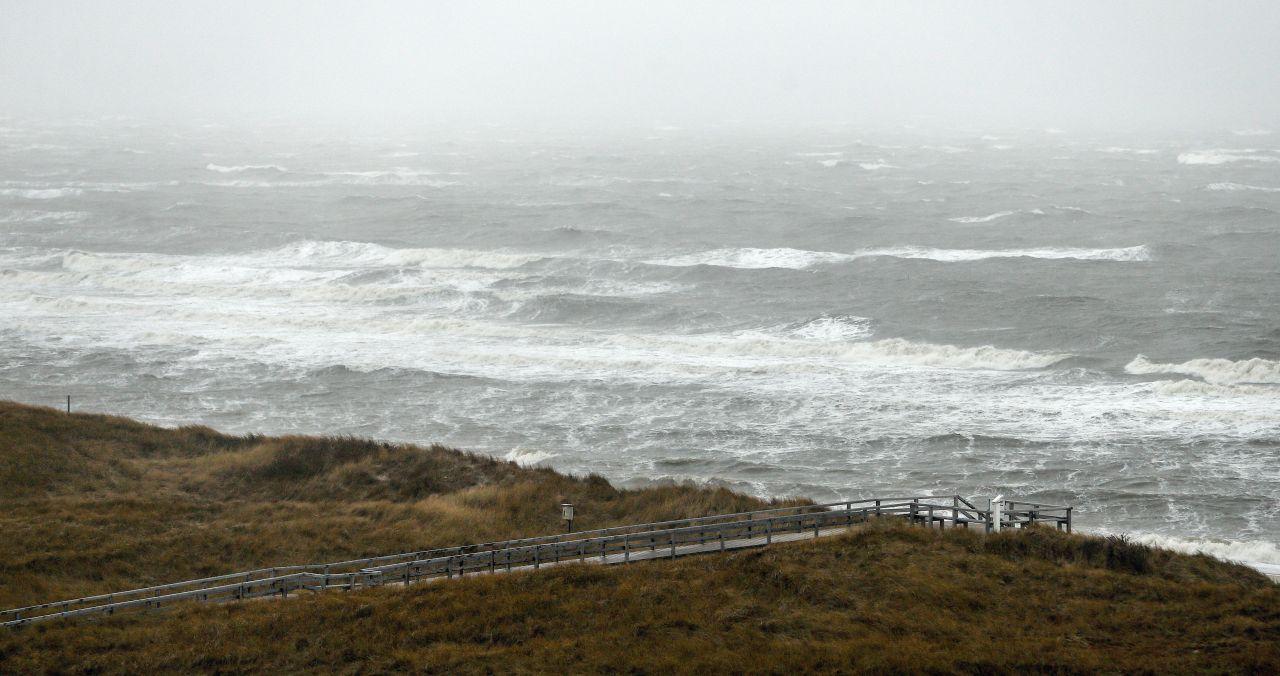 Sturmtief Xaver brachte 2013 eine Sturmflut auf Sylt, die Insel war danach kleiner als davor.