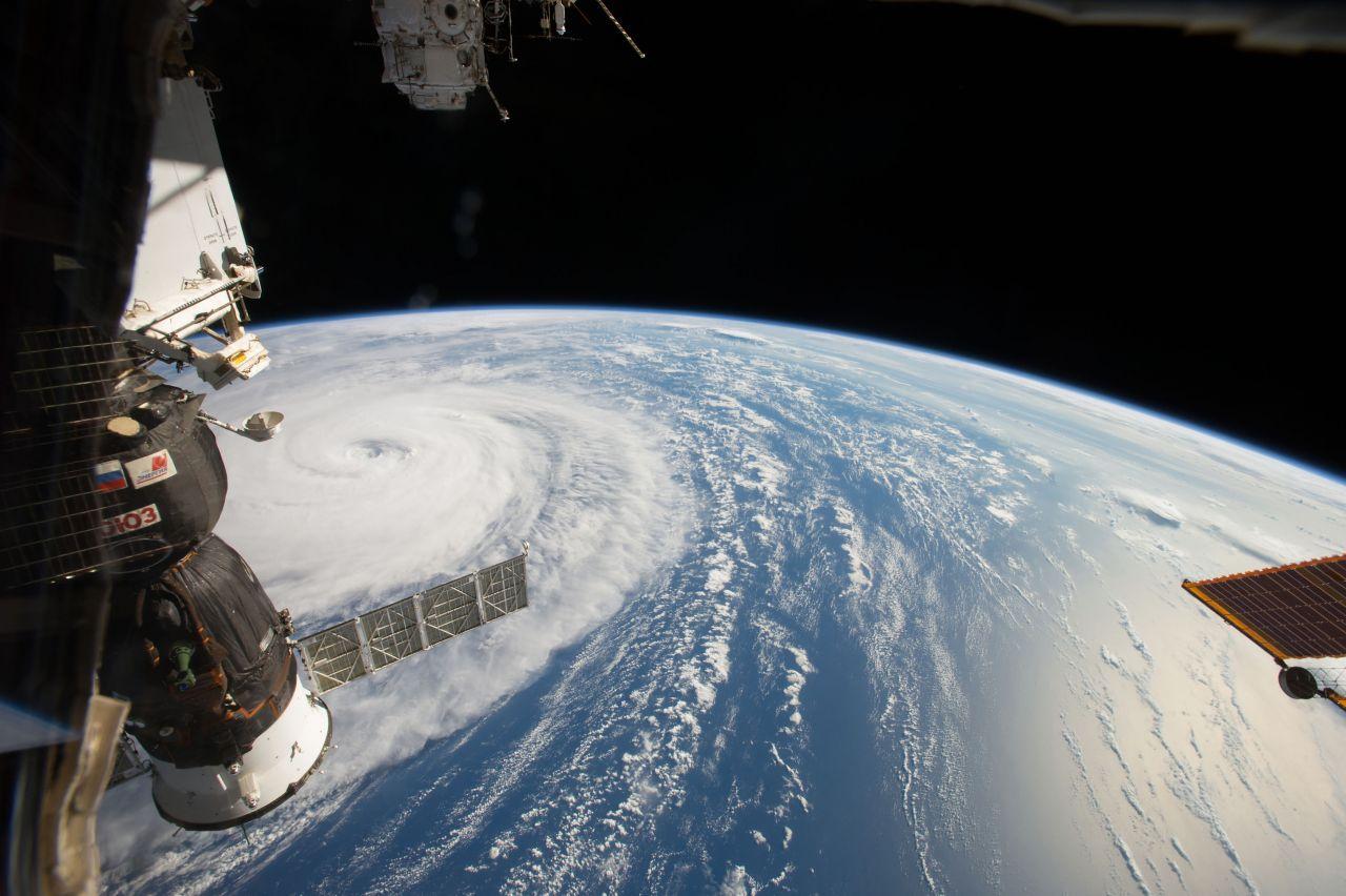 Der Super-Taifun Noru aus dem Weltall.