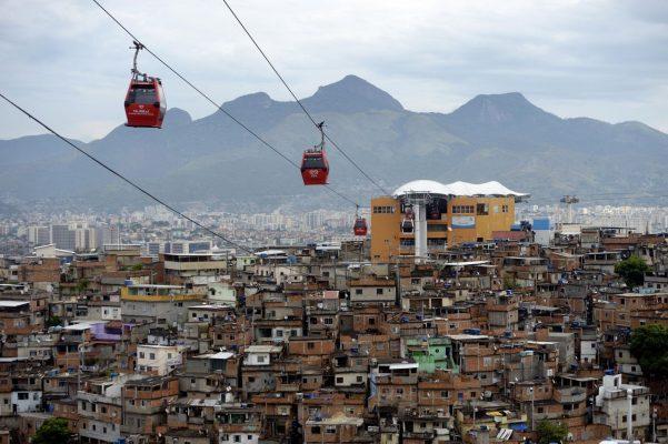 In den Favelas Rio de Janeiros leben Tausende dicht gedrängt
