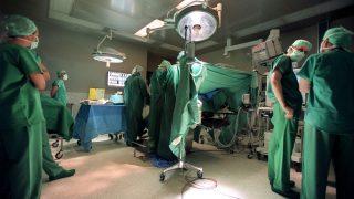 Eine Nieren-OP im der Uniklinik Basel.