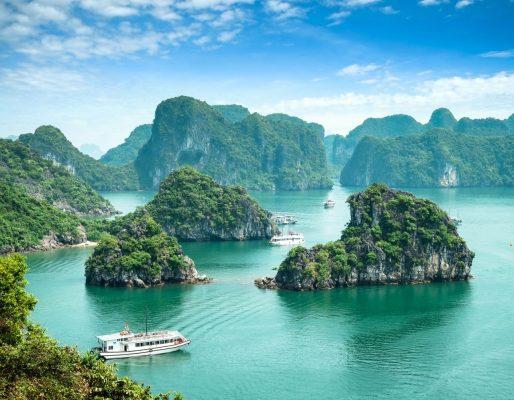 Die Halong-Bucht in Vietnam gehört zum UNESCO-Weltnaturerbe.
