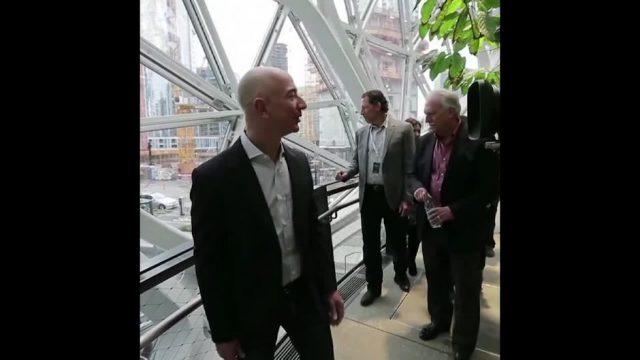 Das geheime Leben von Jeff Bezos - 10s