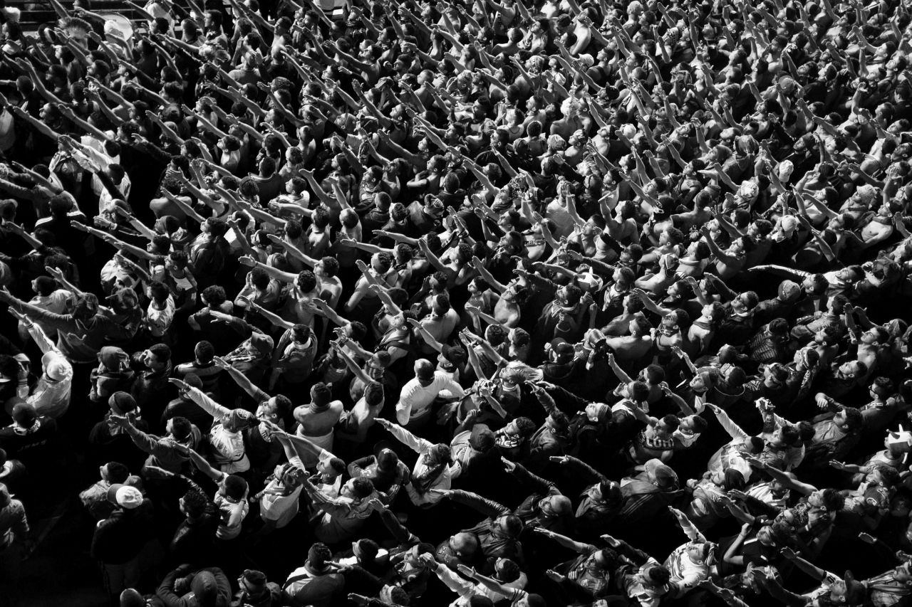 Die Fans im Fußballstadion, das seit 2001 in Algerien immer mehr zum Ort des Protests wurde.