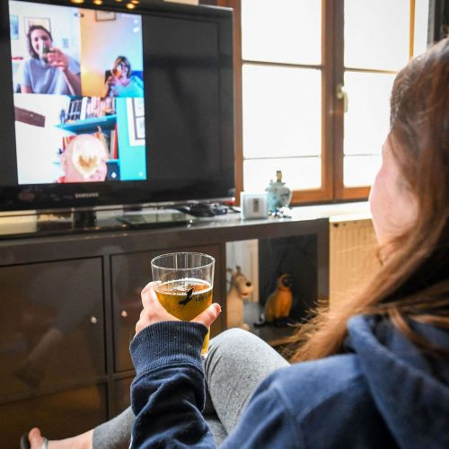 Freunde im Video-Chat während Corona-Krise