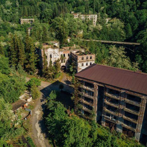 Die Geisterstadt Akarmara ist ein Lost Place in Georgien.