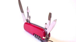 Ein aufgeklapptes Taschenmesser