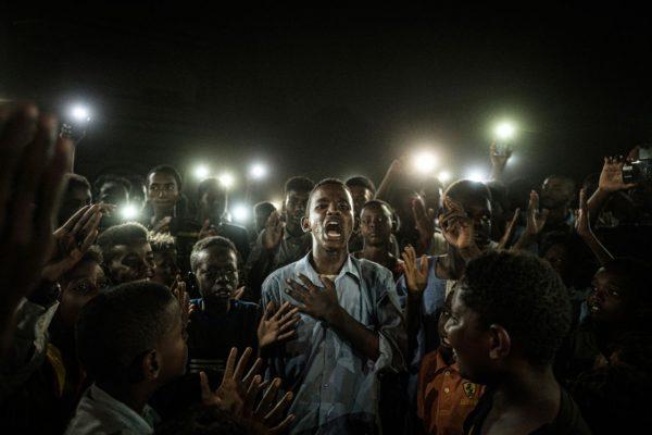 Das Pressefoto des Jahres 2020 zeigt eine sudanesische Protestgruppe.