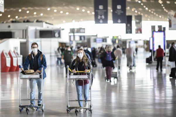 Reisende müssen sich nach ihrer Ankunft nicht mehr in eine häusliche Quarantäne begeben