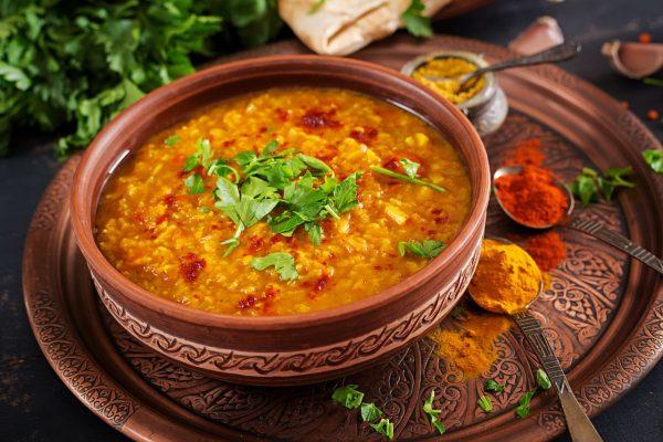 Linsen Curry Dal mit Kokosmilch indisch