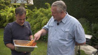 Peter ist Grillprofi und 3-facher Gewinner der deutschen Grillmeisterschaft.