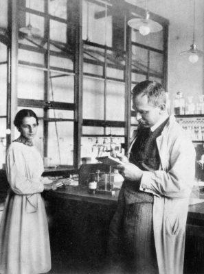 Physikerin Lise Meitner und Otto Hahn