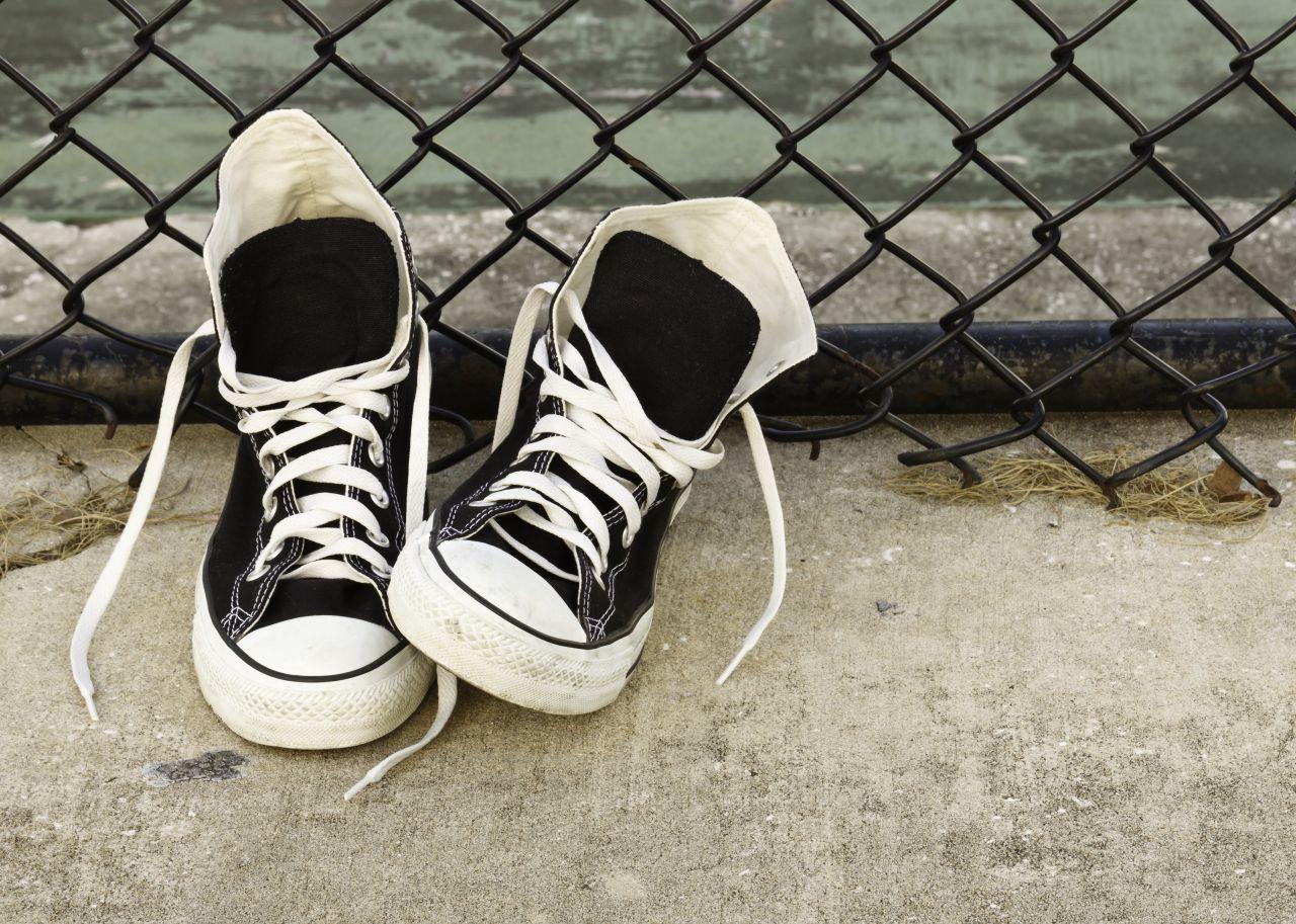 """""""Jemandem etwas in die Schuhe schieben"""": So entstand der Ausdruck"""