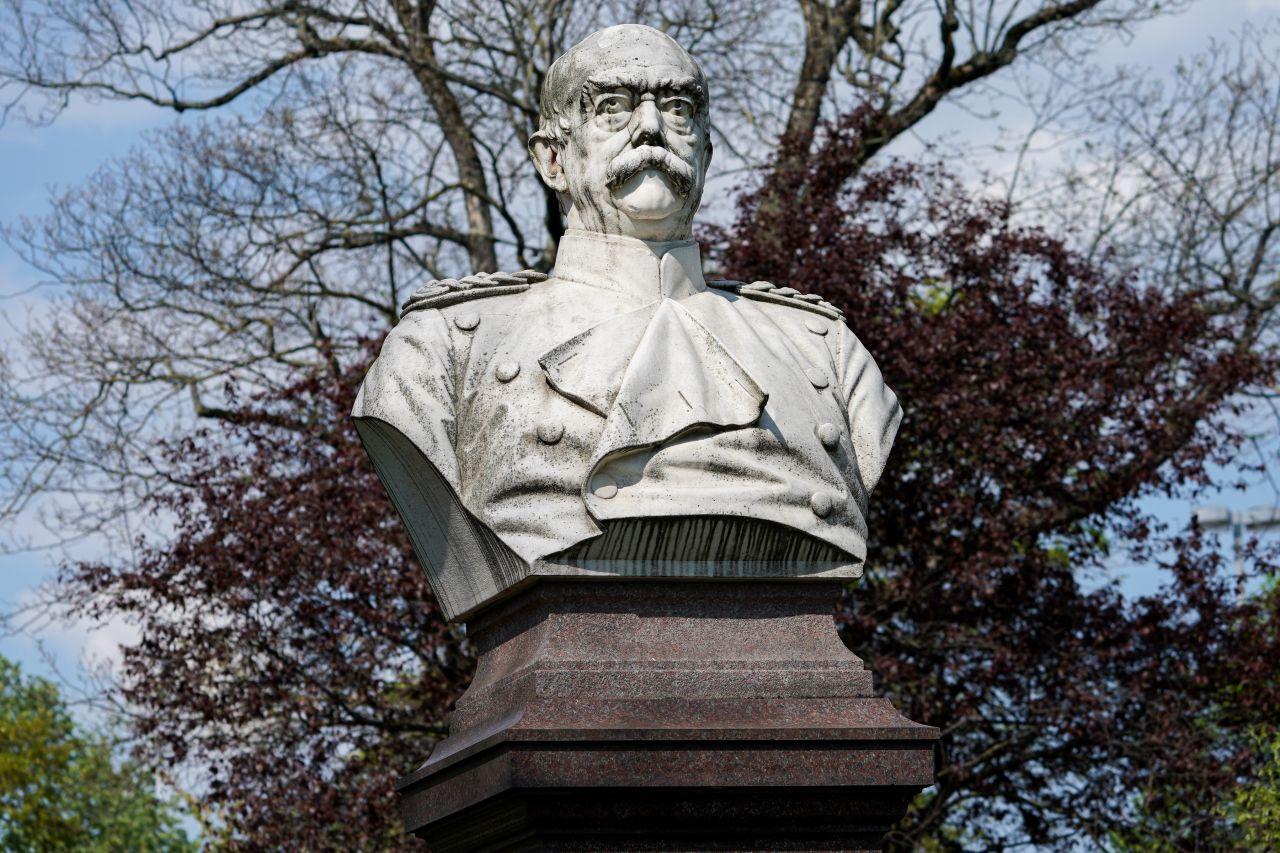 Eine Statue von Otto von Bismarck in Heidelberg
