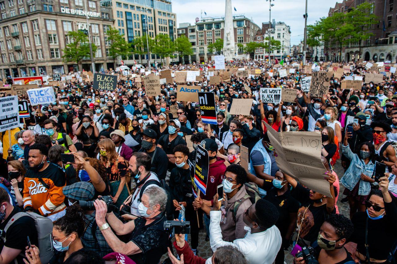Demonstration auf dem Damplatz in Amsterdam