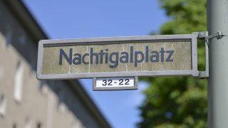 """Hinter dem """"Nachtigalplatz"""" im afrikanischen Viertel in Berlin, Mitte, steckt Gustav Nachtigal (1834-1885). Er gründet zum Leidwesen der Afrikaner die Kolonie Deutsch-Westafrika."""