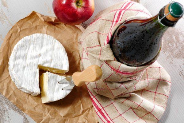 Käse Camembert und Calvados