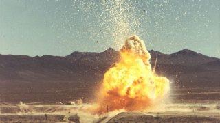 Ein Teststand eines nuklearen Triebwerks explodiert