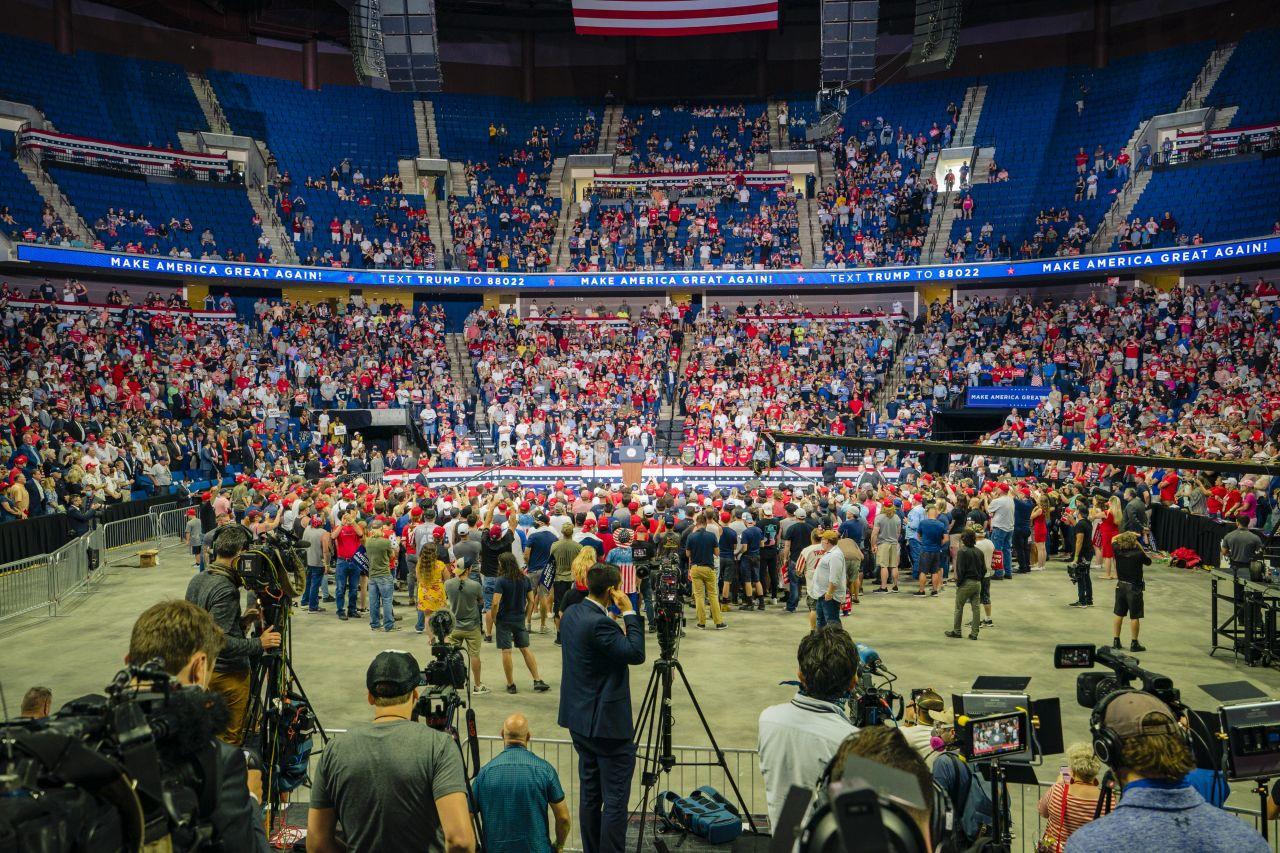 Die Arena in Tulsa fasst 20.000 Besucher. Zu Trumps Auftritt kamen deutlich weniger.