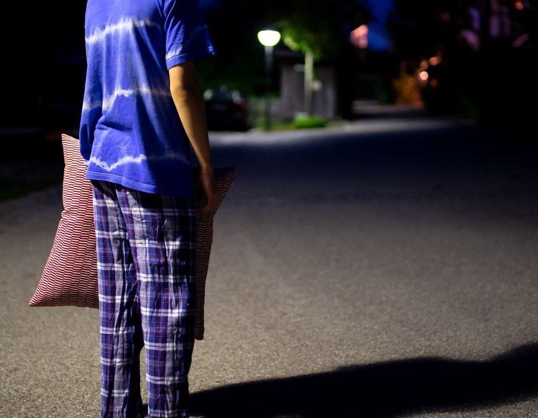 Schlafwandler auf der Straße