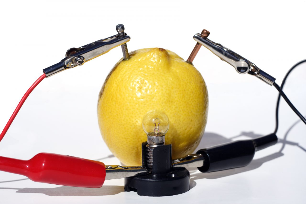 Strom mit Zitrone erzeugen