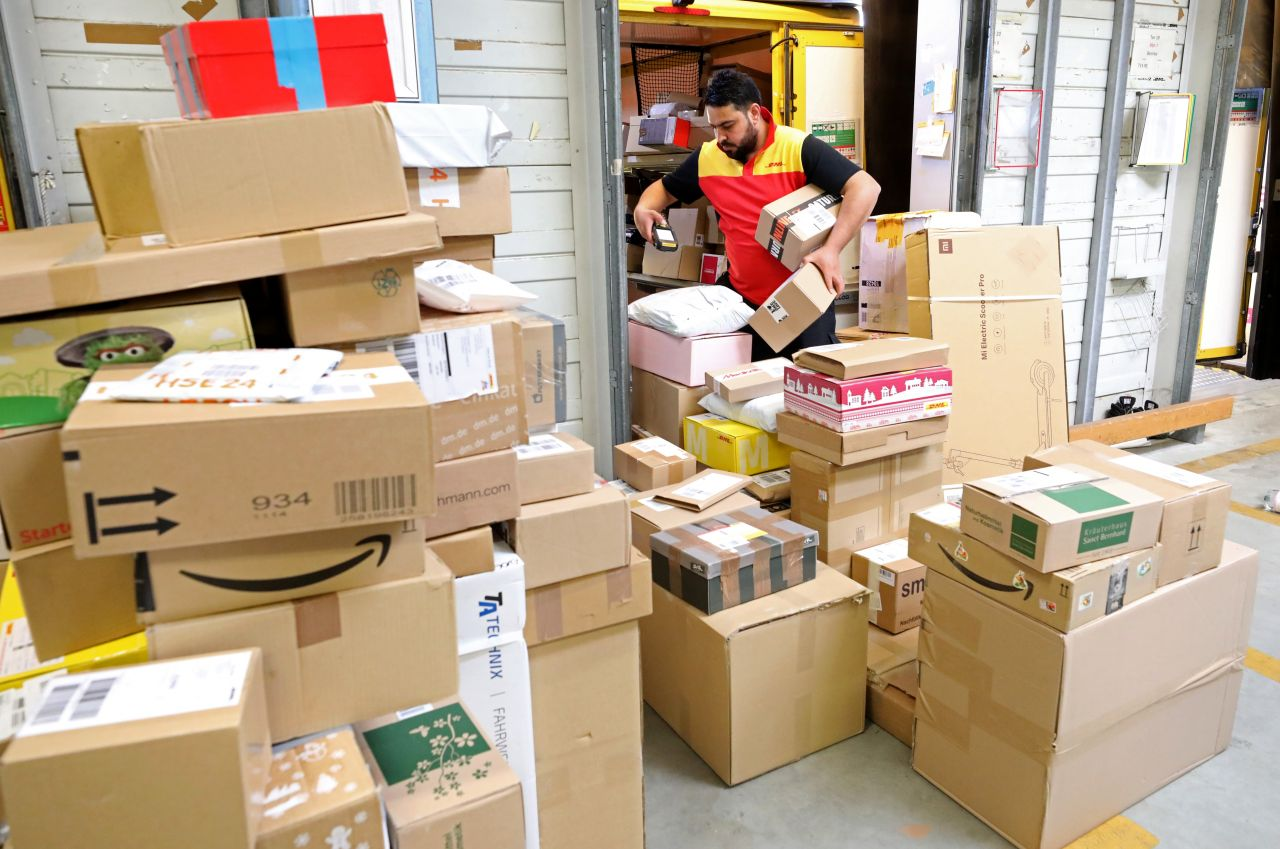 Online-Shopping: Was passiert, wenn alle nur noch im Internet bestellen?