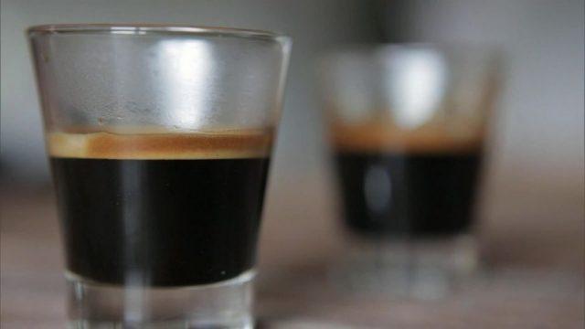 Kaffee-Giganten: Wer beherrscht den Markt und verdient an dem Kaffee-Hype?
