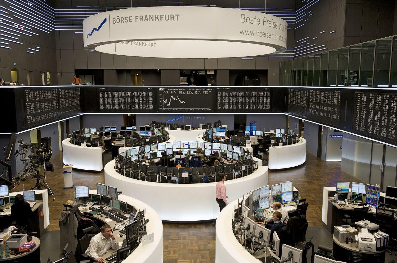 DIe Frankfurter Börse kommt erst auf dem 10. Platz der größten Börsen weltweit.