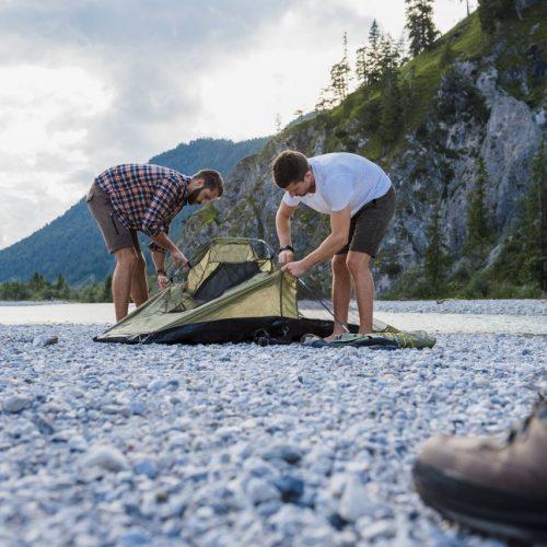 Camping, ob im Zelt, im VW-Bus oder im Tiny House, ist ein richtiges Abenteuer.