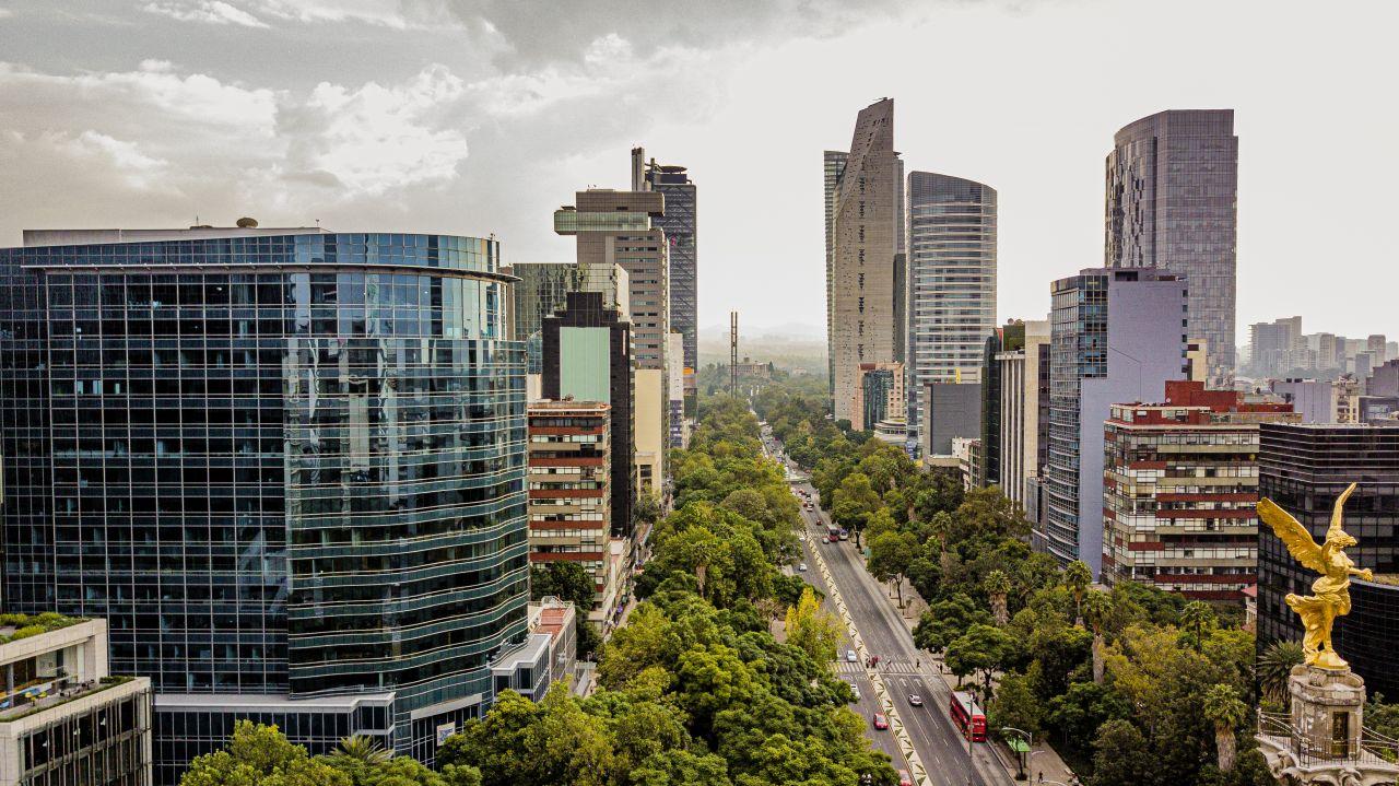 In Mexiko City wird bereits seit 10 Jahren ein Earthscraper Wolkenkratzer geplant.