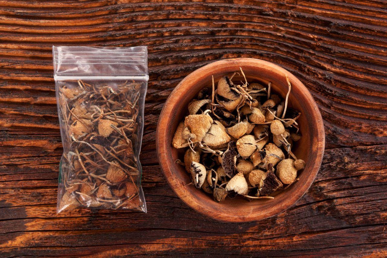 Drogen in der Medizin: Wie LSD, Magic Mushrooms und Co. helfen sollen
