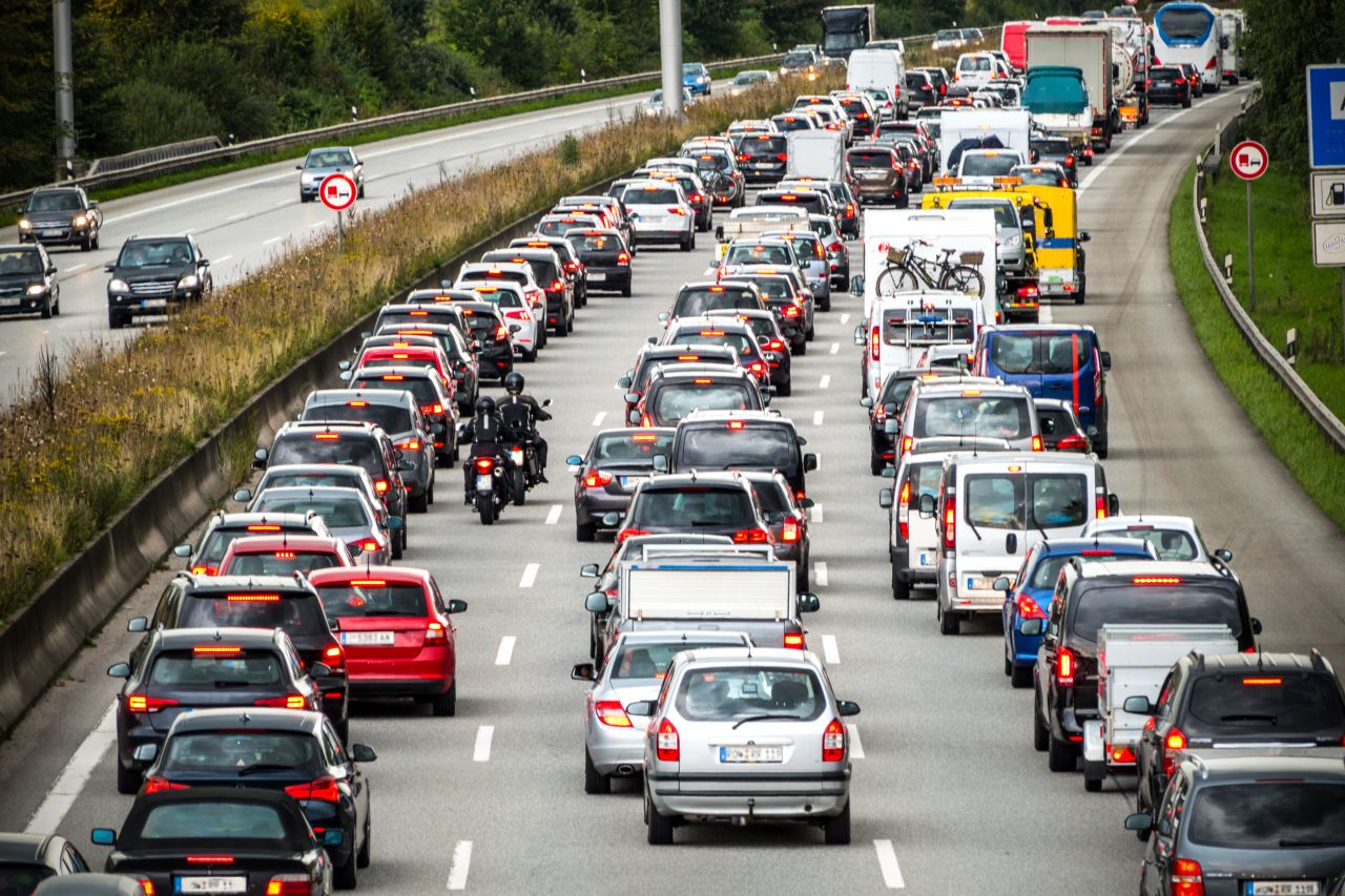 Autos im Stau auf der Autobahn