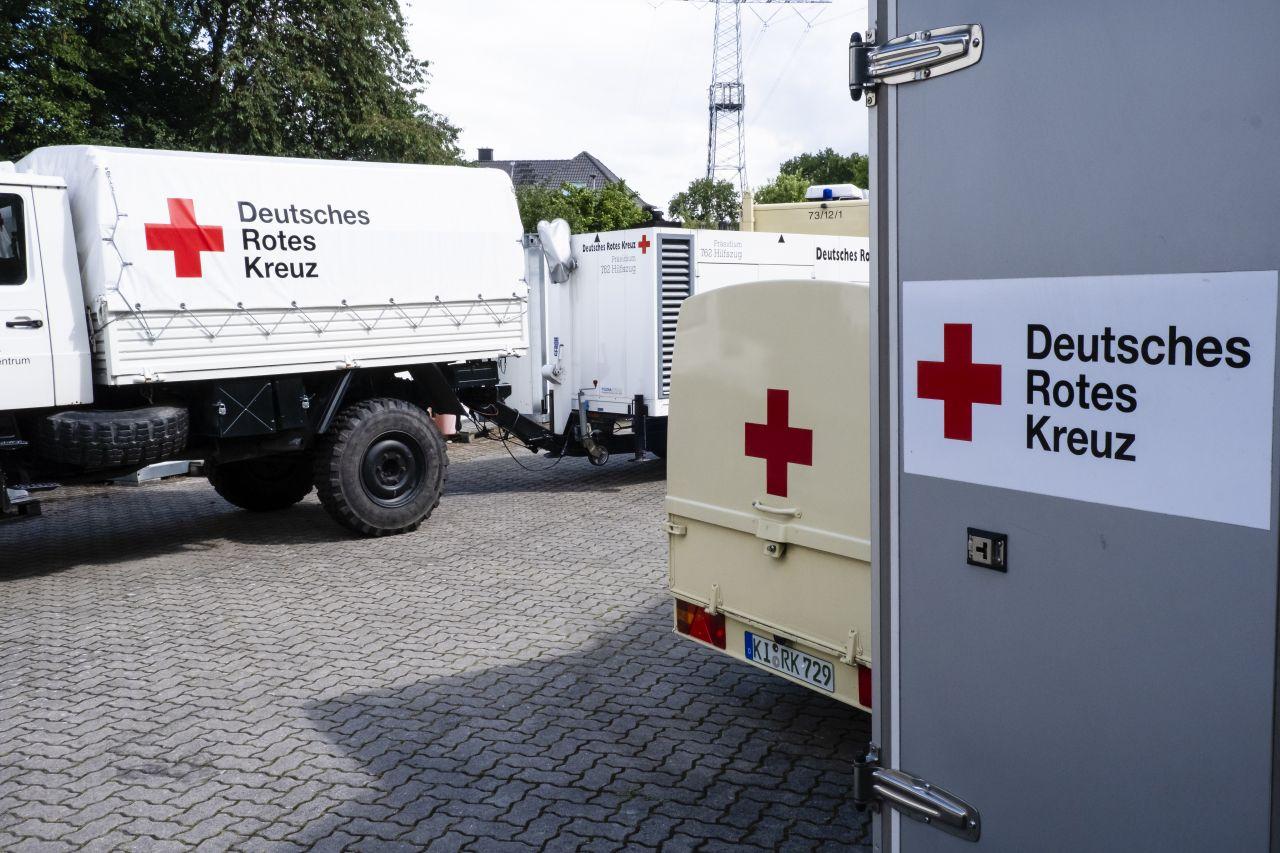 Ein Blick in den Fuhrpark des Deutschen Roten Kreuzes.
