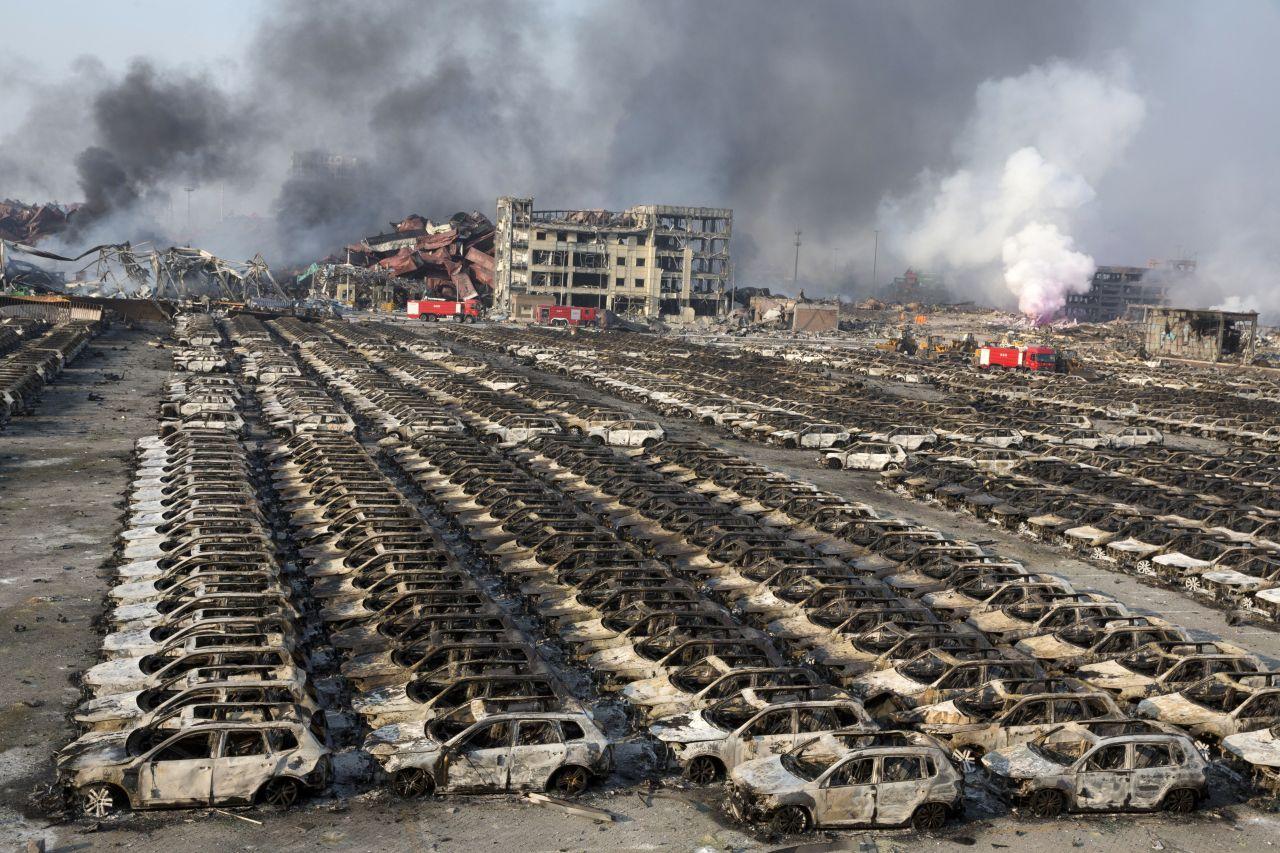 2015,Tianjin, China: In einem Gefahrgutlager der chinesischen Hafenstadt Tianjin befand sich Ammoniumnitrat, das eine Serie von Explosionen auslöste. 173 Menschen starben.