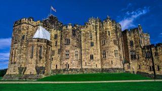 Das Alnwick Castle in England war Drehort für die Harry Potter Verfilmung.