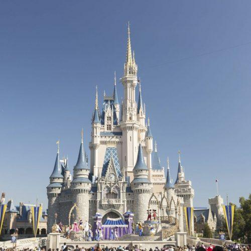 Rund um den Globus findet man in den Disney Parks Nachahmungen von Schloss Neuschwanstein.