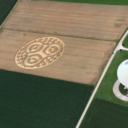 Ufos, Aliens, menschengemachte Kunst - wie entstehen Kornkreise? Galileo begibt sich auf Spurensuche.