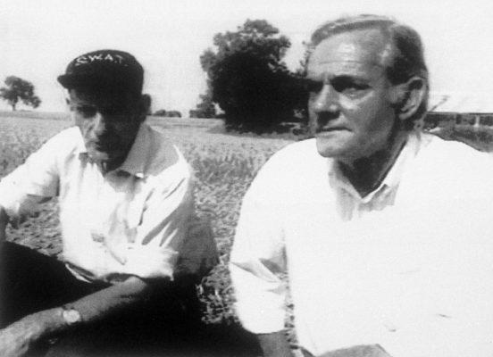 Doug Bower und Dave Chorley 1991 im Kornfeld