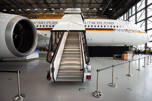 Die nagelneue A350 bei der Übergabe an die Regierung.