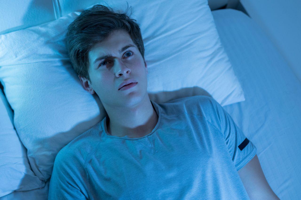 Ursachen und Behandlung einer Schlafparalyse: Das kannst du dagegen tun