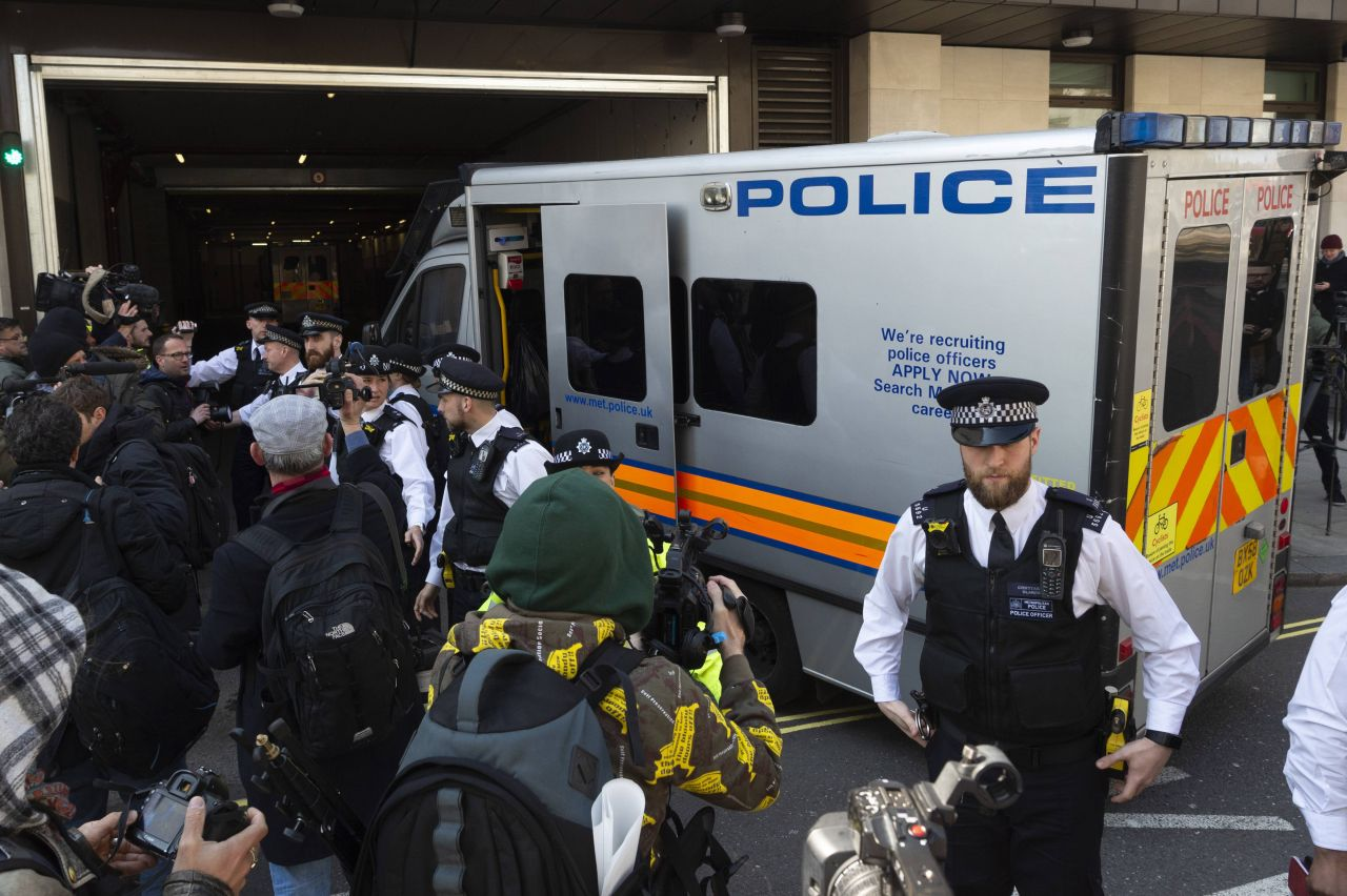 2019 wurde Julian Assange verhaftet.
