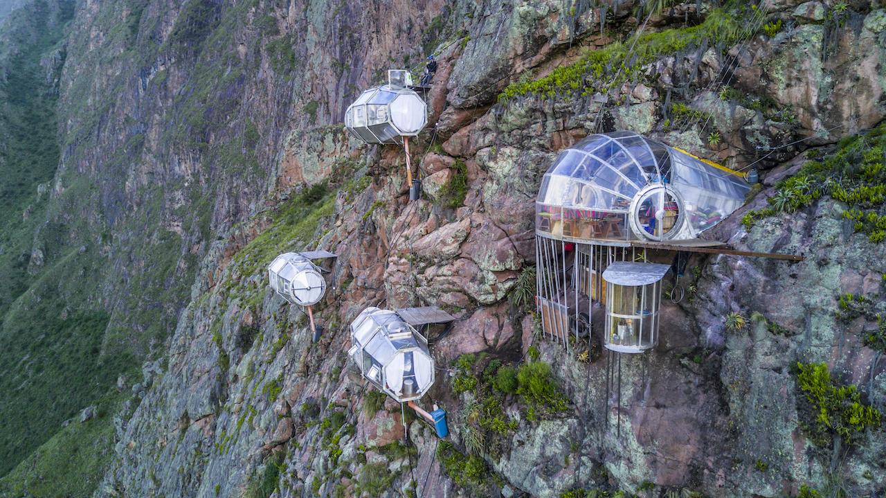 Sky Lodges von Natura Vive in Peru. Hier fällst du auch nicht aus dem Bett. Warum fallen wir nicht aus dem Bett? Ungewöhnliche Schlaforte.