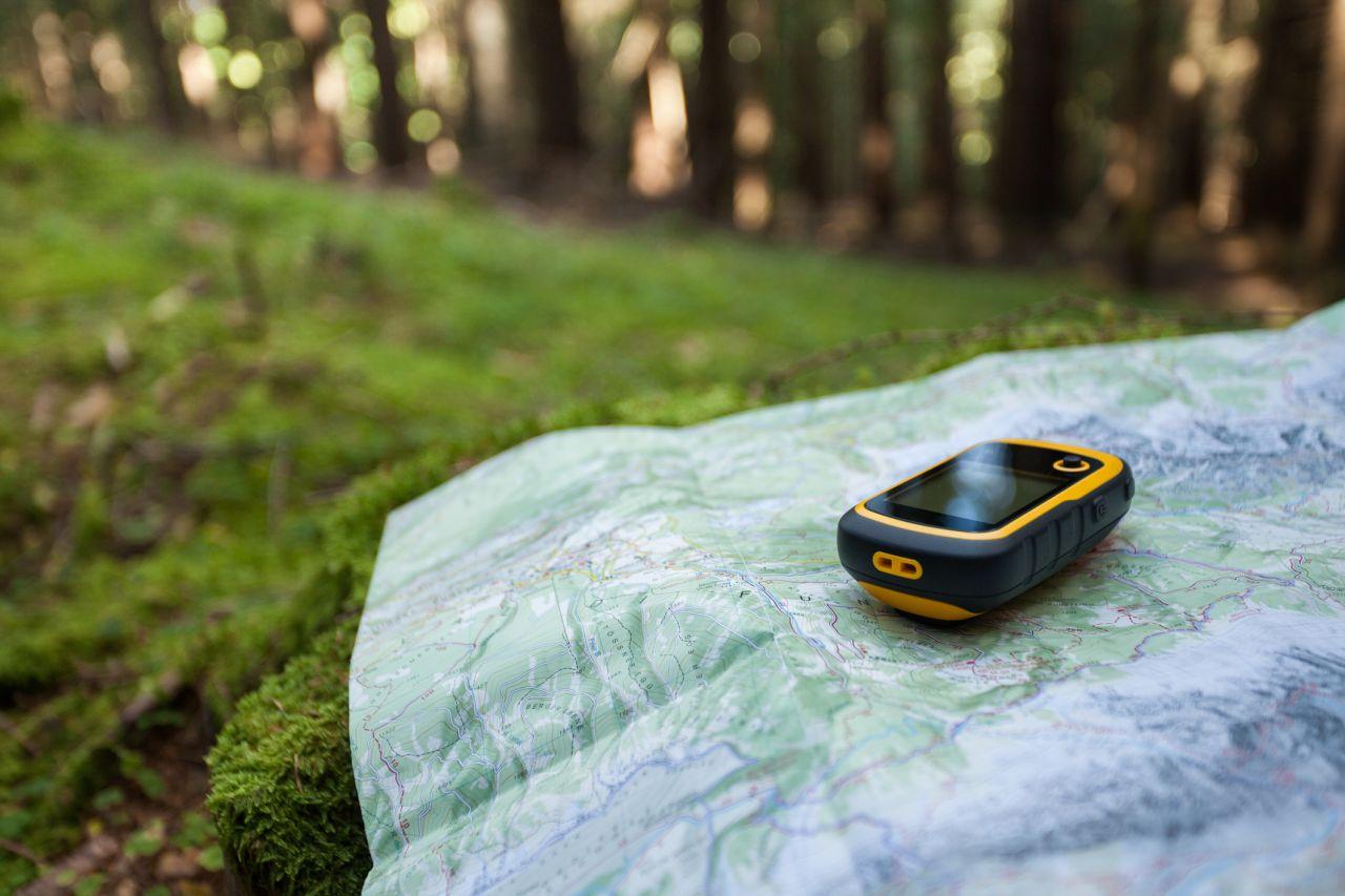Geoaching im Wald mit GPS Gerät