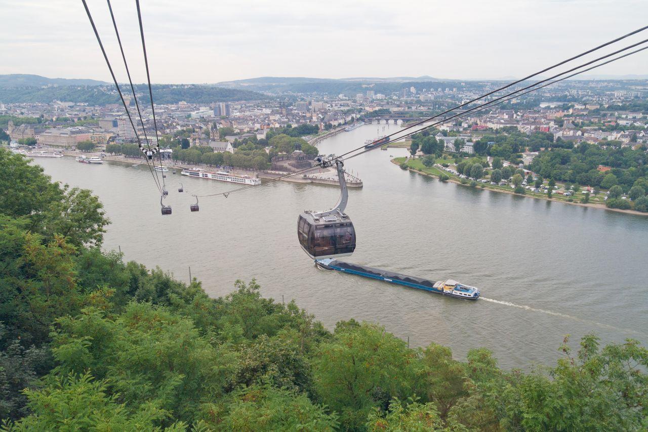 Die Seilbahn in Koblenz ist insgesamt 890 Meter lang.